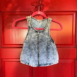 NWOT Charlotte Russe light wash Denim crop top